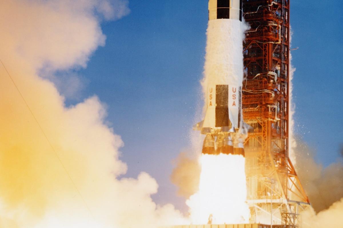 Saturn-V-Bottom.jpg